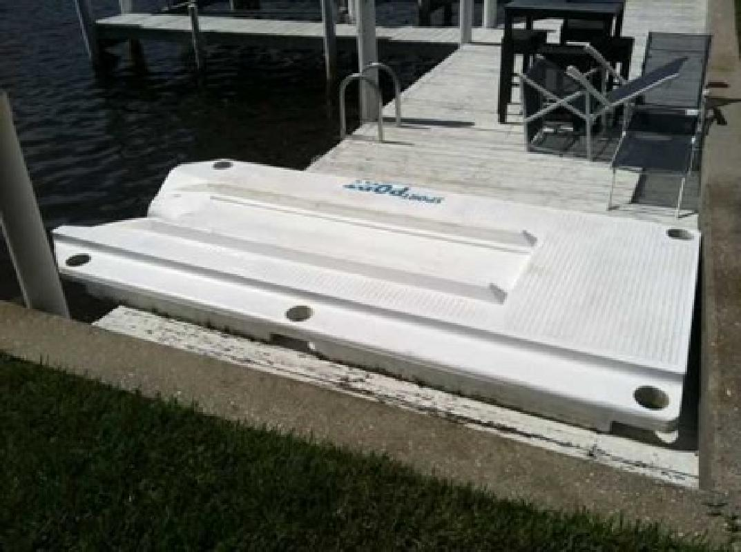 $1,000 Sport Port Jet ski / PWC / Waverunner Dock Lift