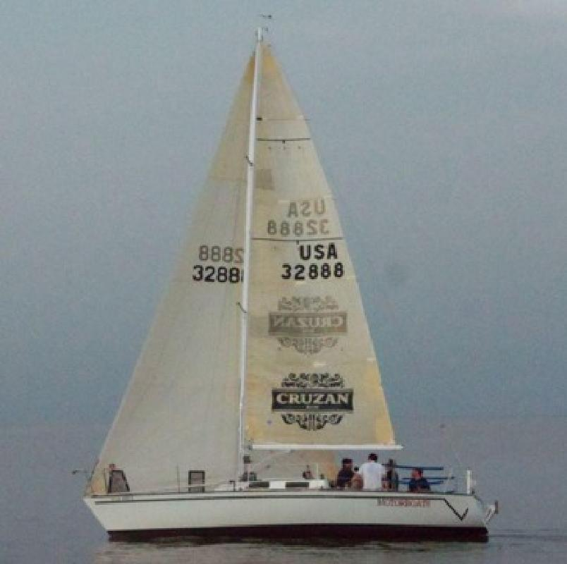$12,000 Evelyn 32 racing sailboat