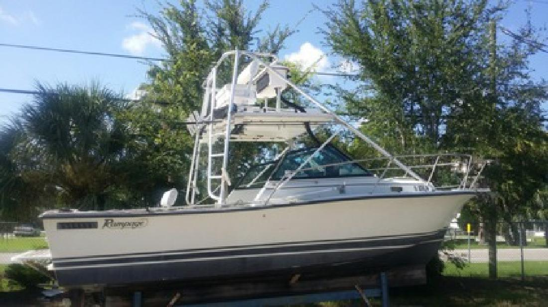 $17,000 1988 Rampage 24ft boat