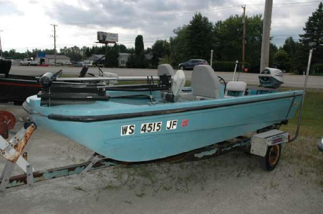 1974 LUND 1439 Fiberglass TriHull Fishing Boat Wautoma WI