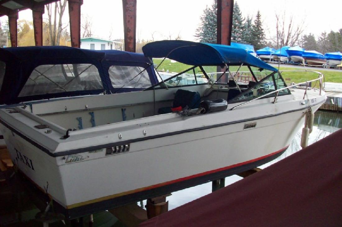 1978 25' Luhrs Corp. Guide boat