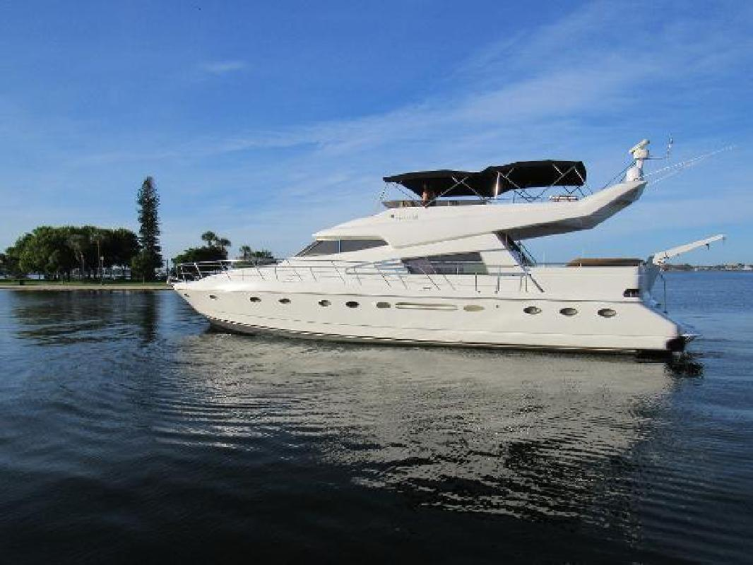 1990 Johnson High Tech Motor Yacht Sarasota FL
