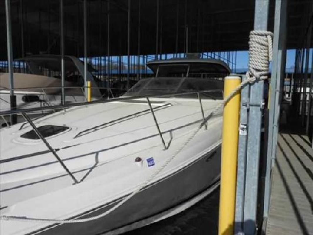 $199,000 2005 Sea Ray 39 SUNDANCER