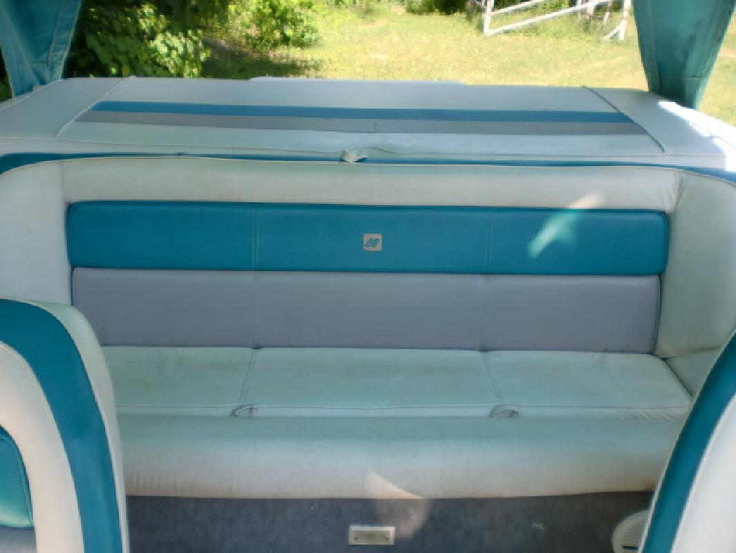 1991 - Four Winns Boats - 180 Candia in Pinckney, MI