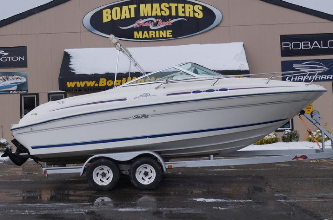 1996 SeaRay 215 Express in Akron, OH