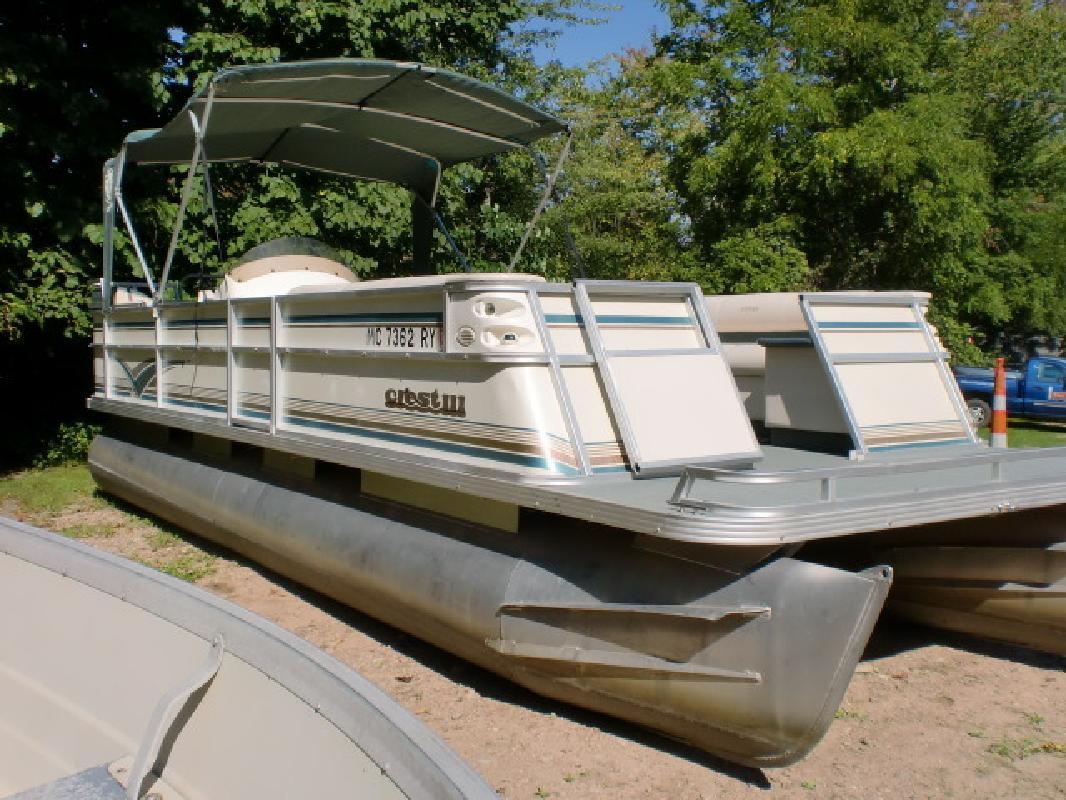 1999 - Crest Pontoon Boats - Crest III Caribbean 25 in Pinckney, MI