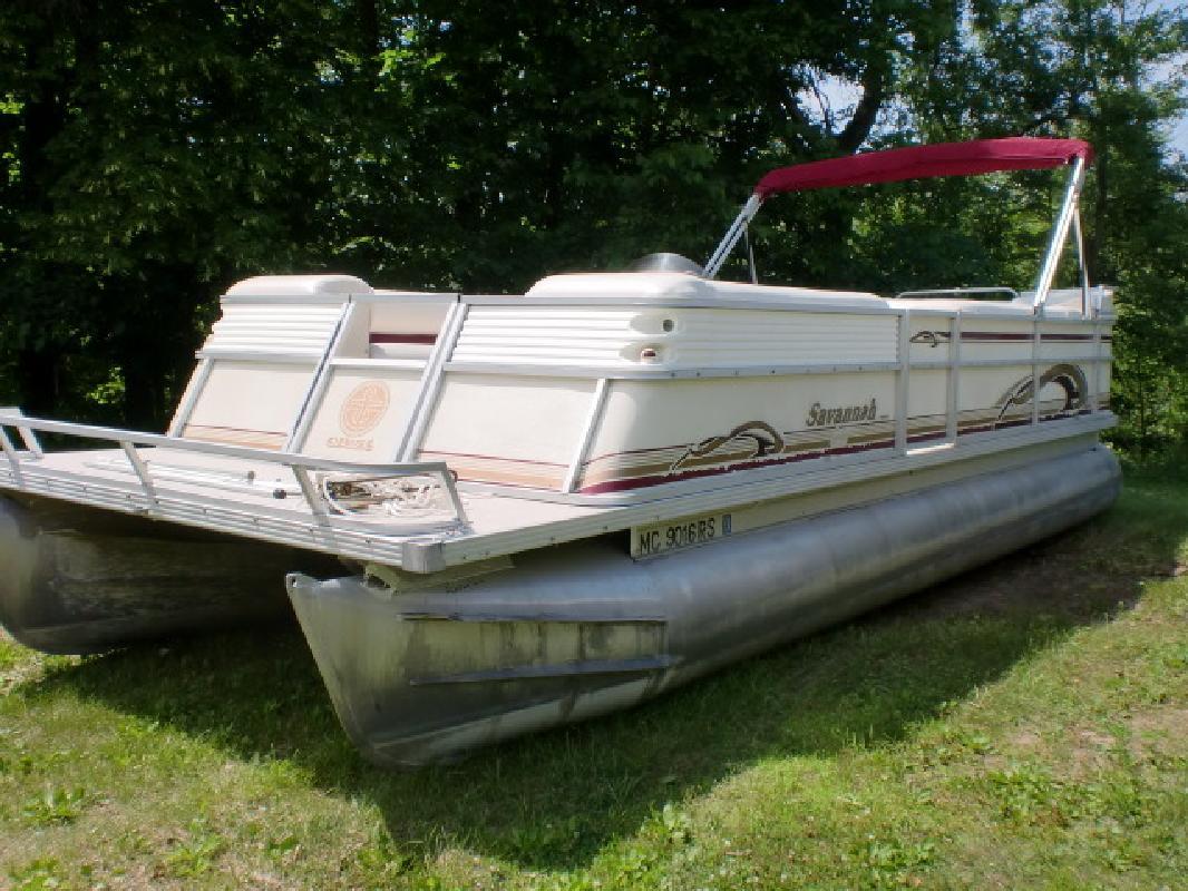 1999 - Crest Pontoon Boats - Savannah Gold in Pinckney, MI