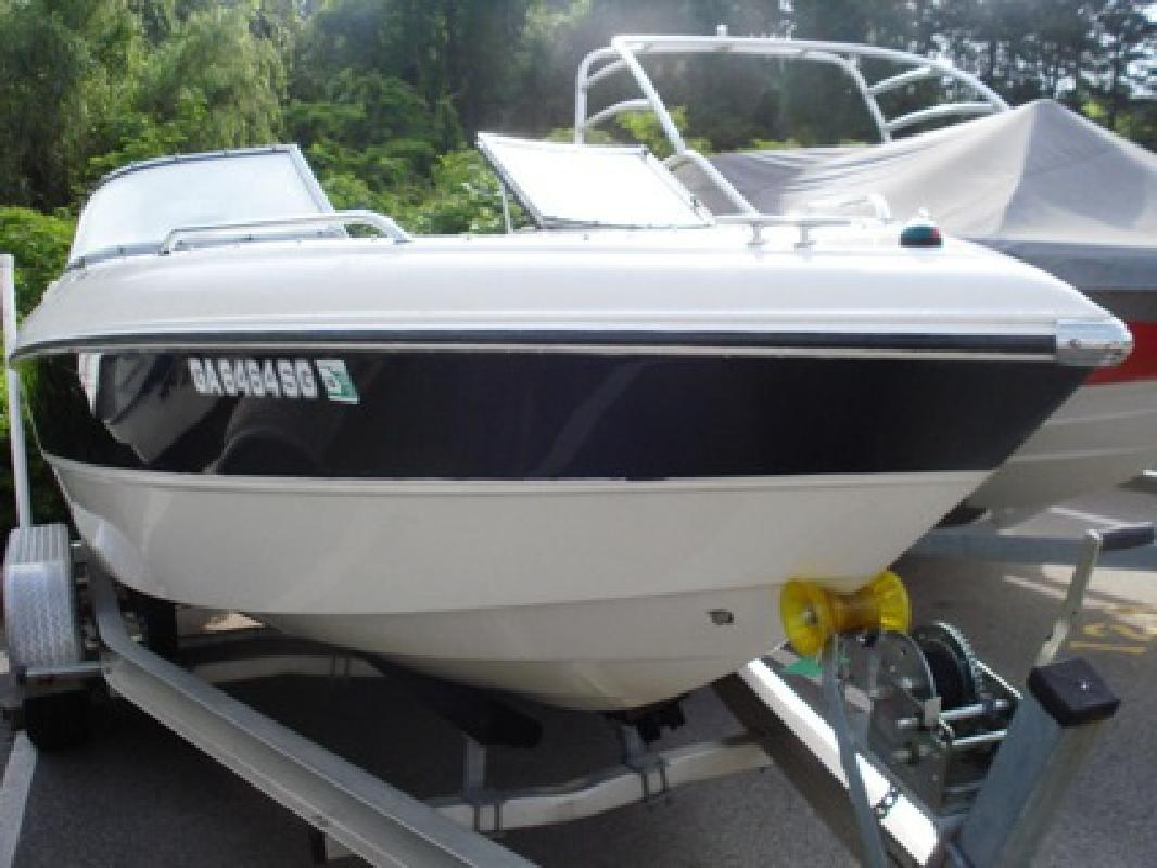 $19,995 OBO Super Clean 2006 Stingray 220 Bowrider