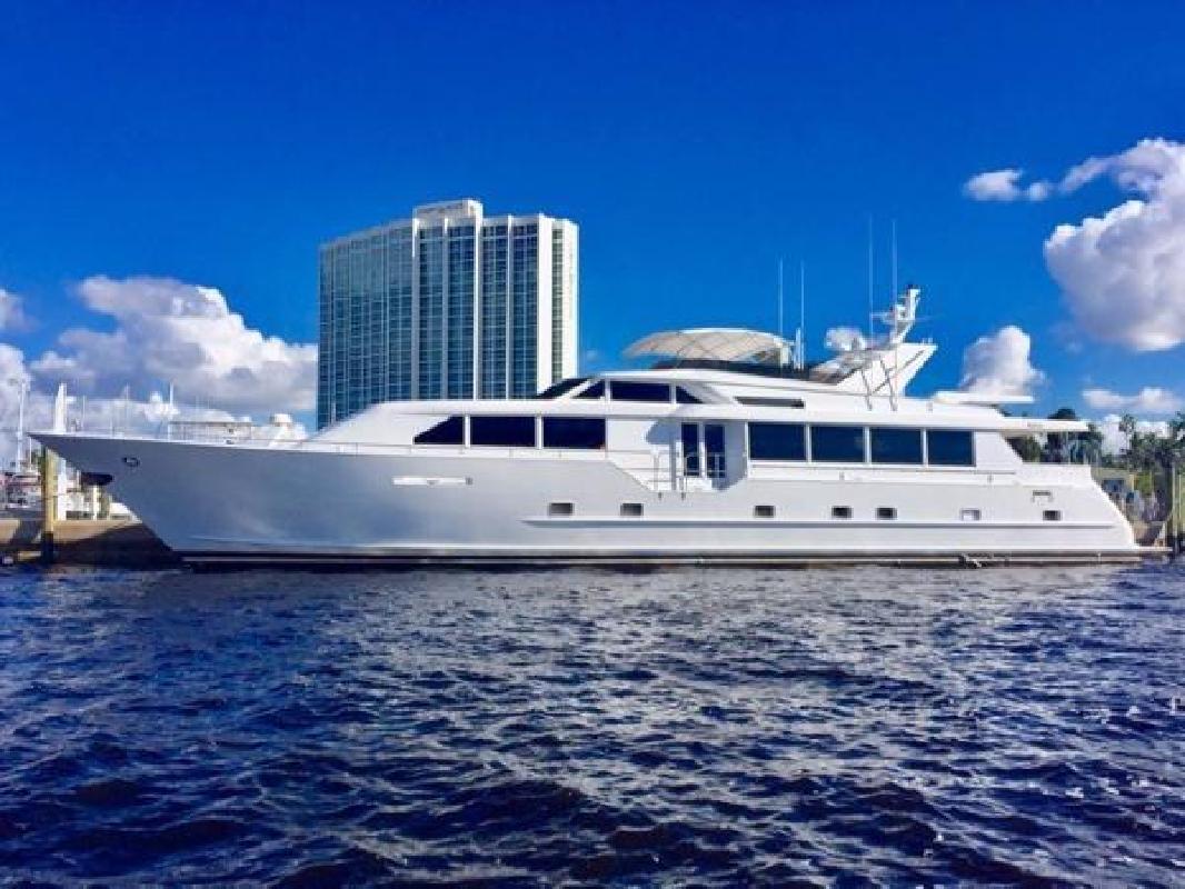 2000 Broward Raised Pilothouse Fort Lauderdale FL