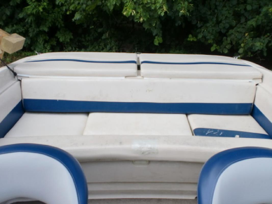 2001 Larson 190 SEI in Pinckney, MI