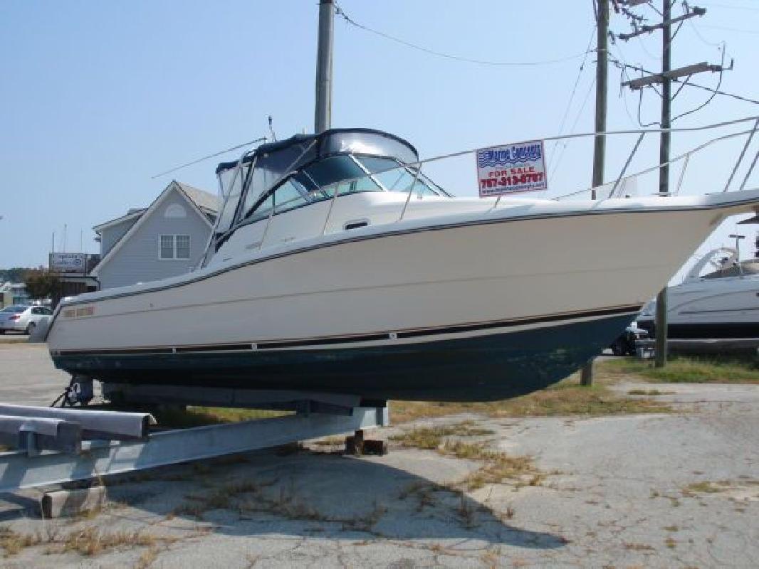 2002 30' Pursuit Boats 3070 Express