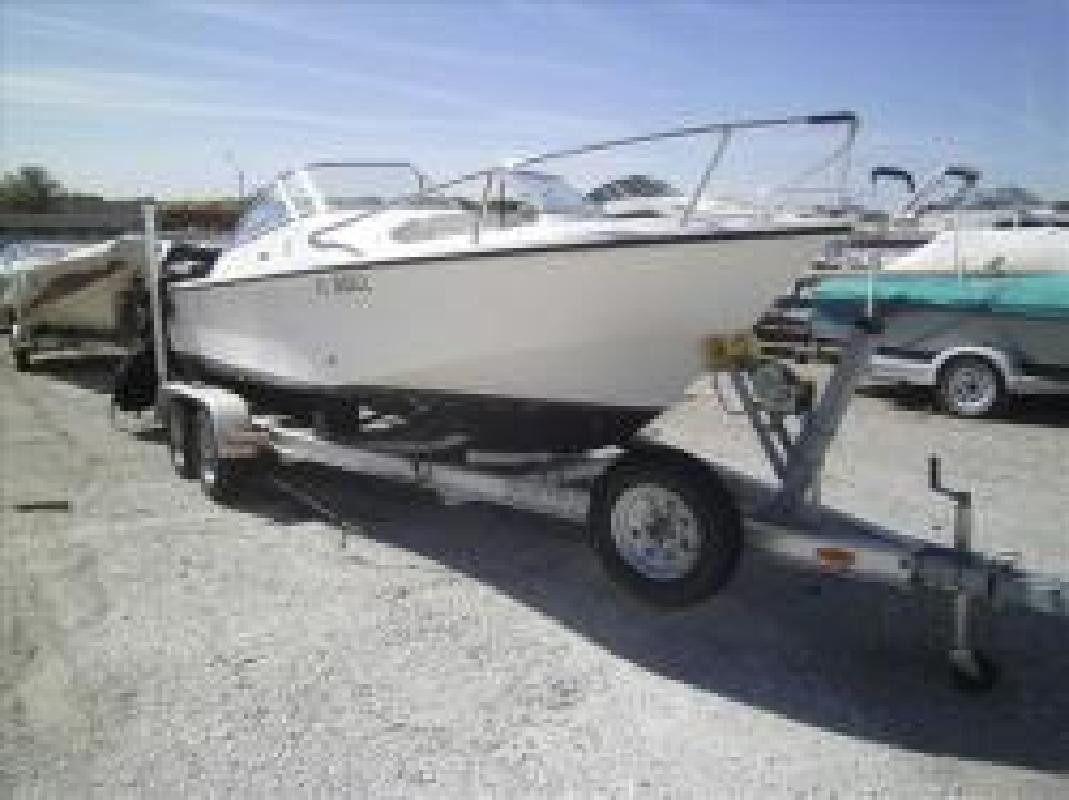 2003 Edgewater Powerboats Dual Console 185DC Omaha NE