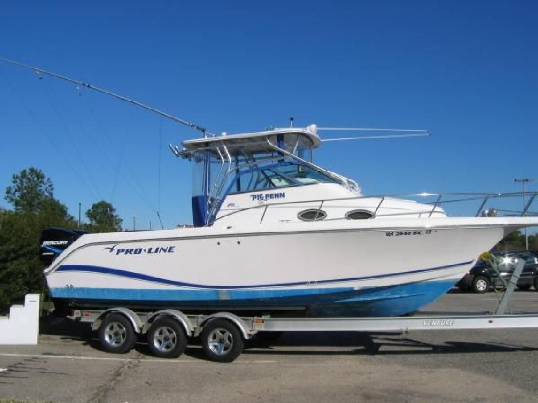 2004 26' Pro-Line Boats, Inc. 26 WALKAROUND