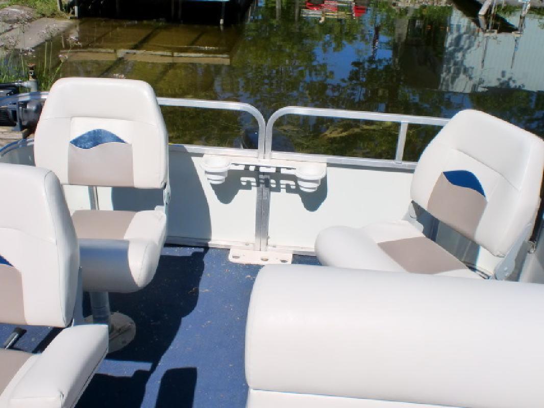 2005 - Gillgetter Pontoon Boats - 719 Fishmaster II in Pinckney, MI
