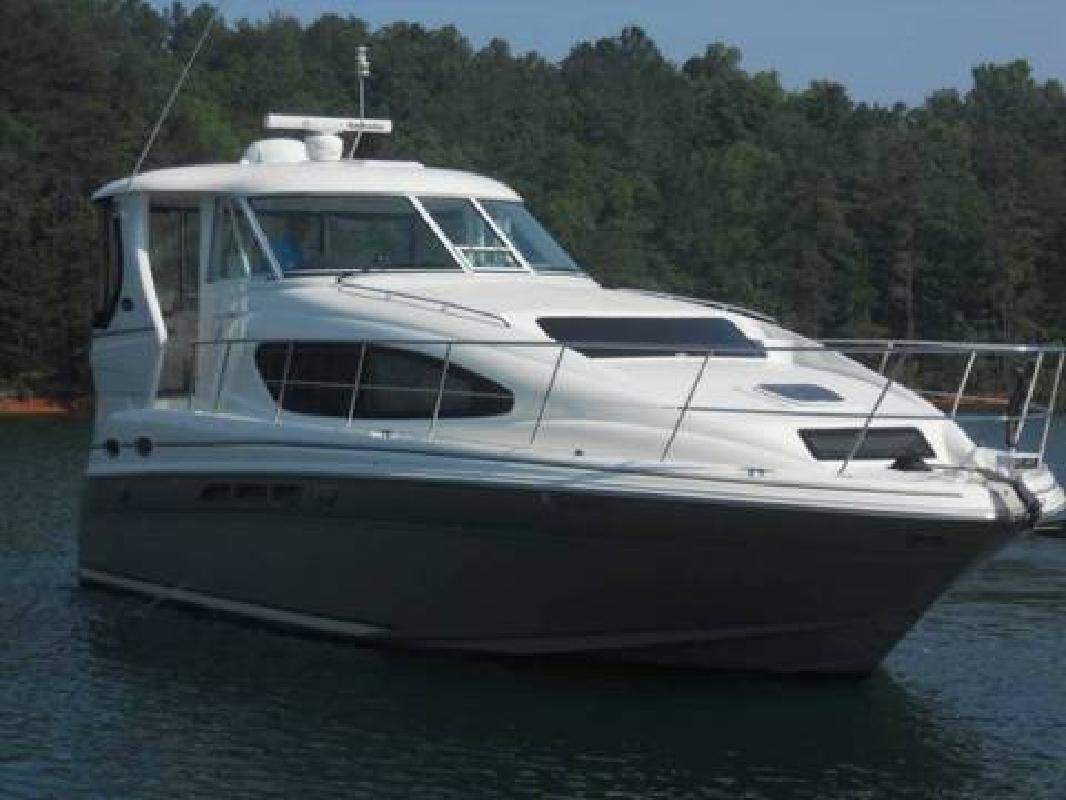 2005 Sea Ray 39 MY Aft Cabin