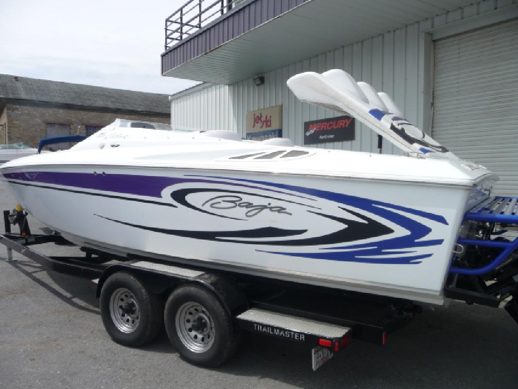 2006 25' Baja Performance Boats 25 Outlaw