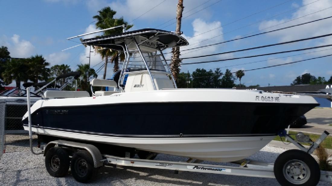2006 - Century Boats - 2301 CC in Hudson, FL