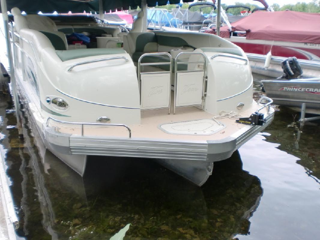2006 - JC Pontoon Boats - 306 TriToon IO in Pinckney, MI