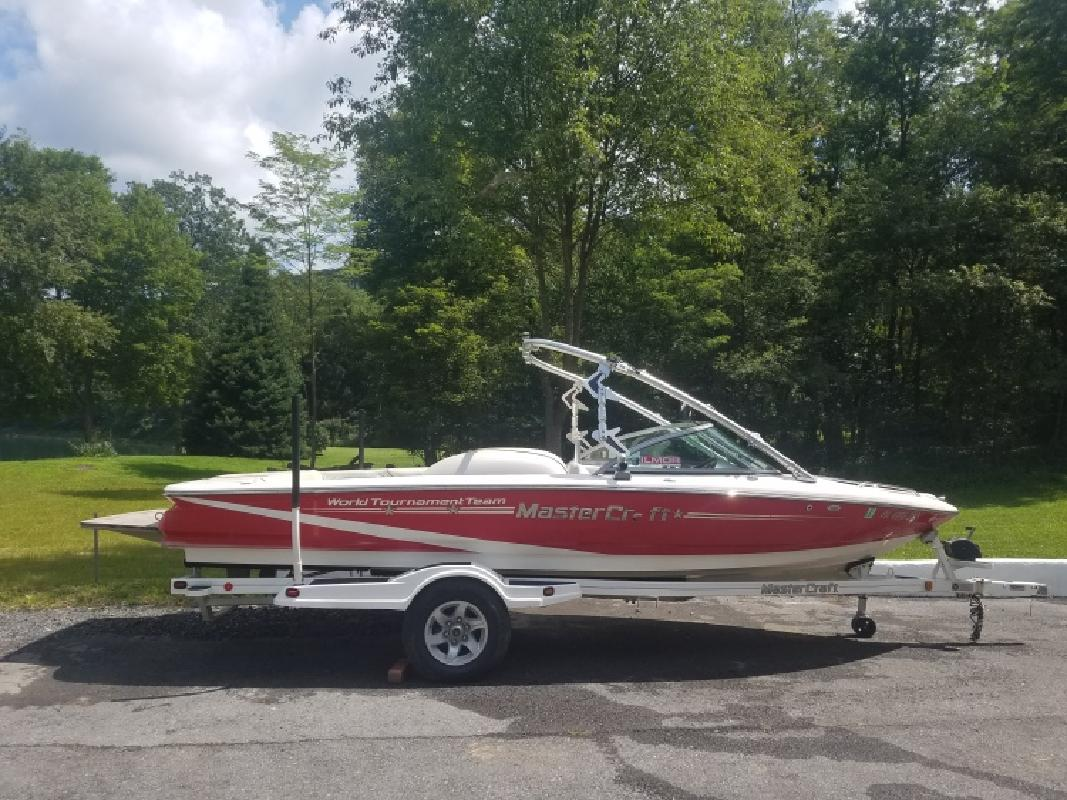 2011 Mastercraft Prostar 197 with Mini-Tower in Lock Haven, PA