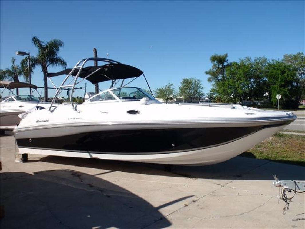 2012 26' Hurricane SunDeck SD 2700 (dual)