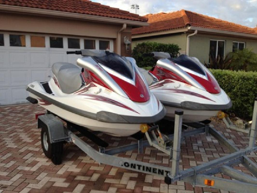 2 780 Pair Of 2008 Yamaha Fx 3 Seaters Wave Runners
