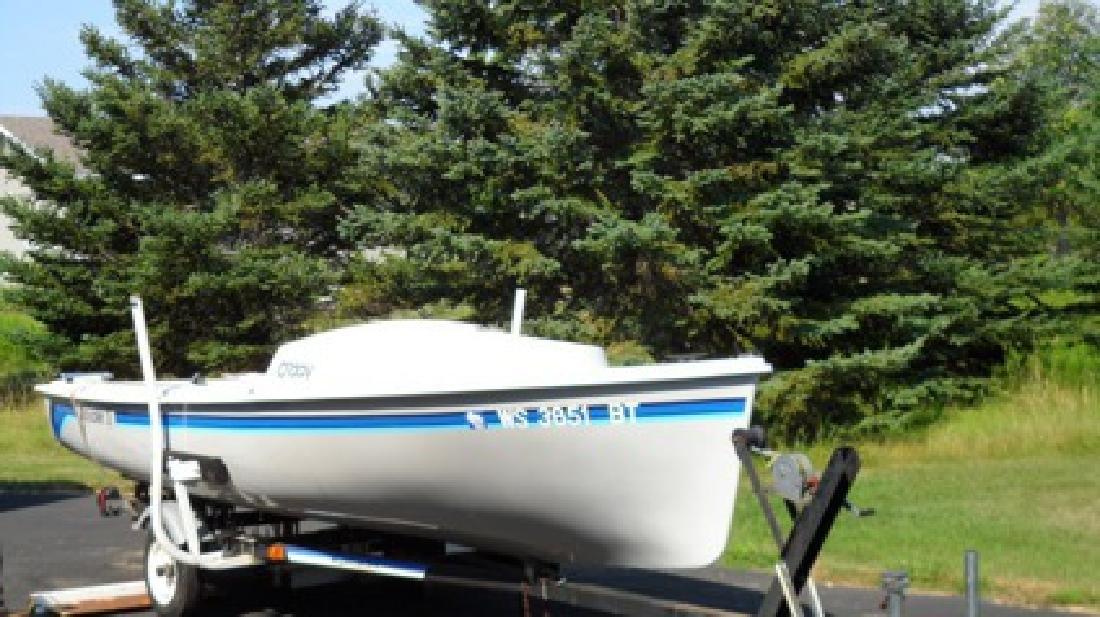 $3,500 Sailboat,O'day daysailer III,1987, 17ft