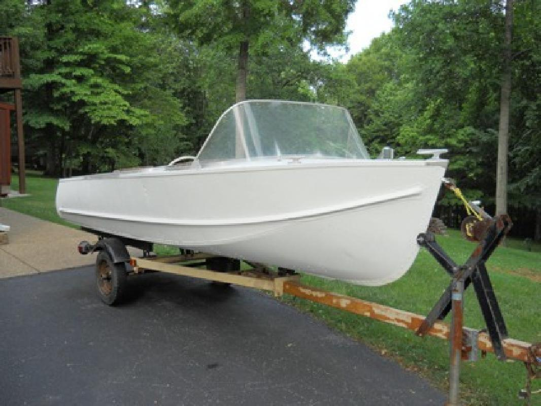 $500 1957 Lonestar Boat and trailer