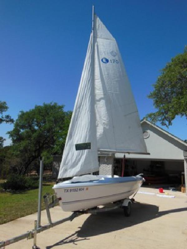$5,600 2005 Hunter 170 Sailboat