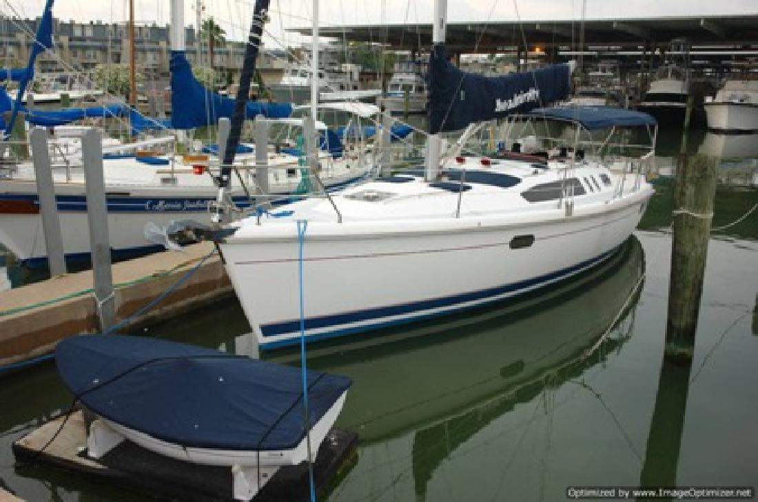 $84,000 1998 Hunter 376 Sailboat