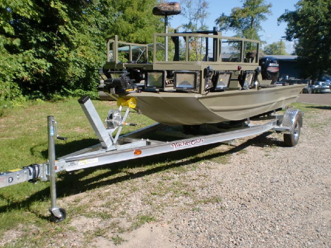 Bass Tracker Tracker Marine in Pinckney, MI