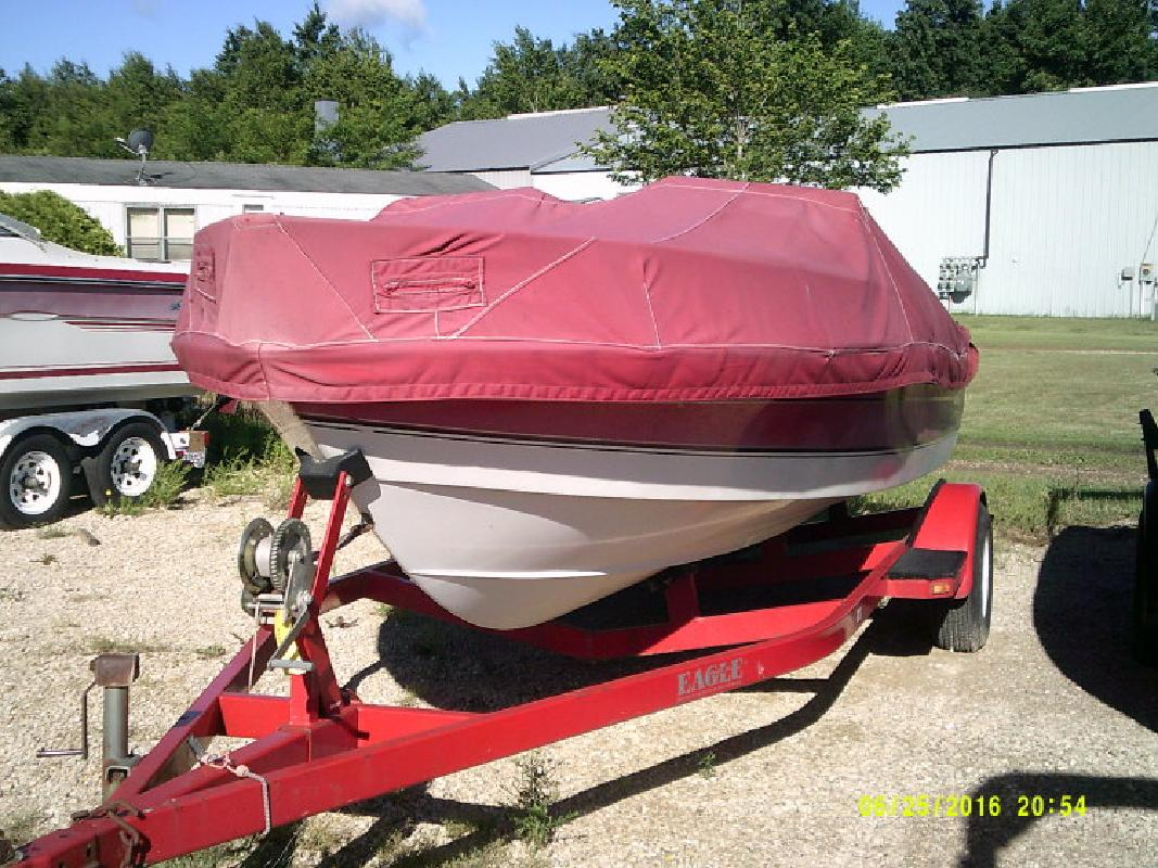 Used 18- Wellcraft Bow Rider in Wautoma, WI