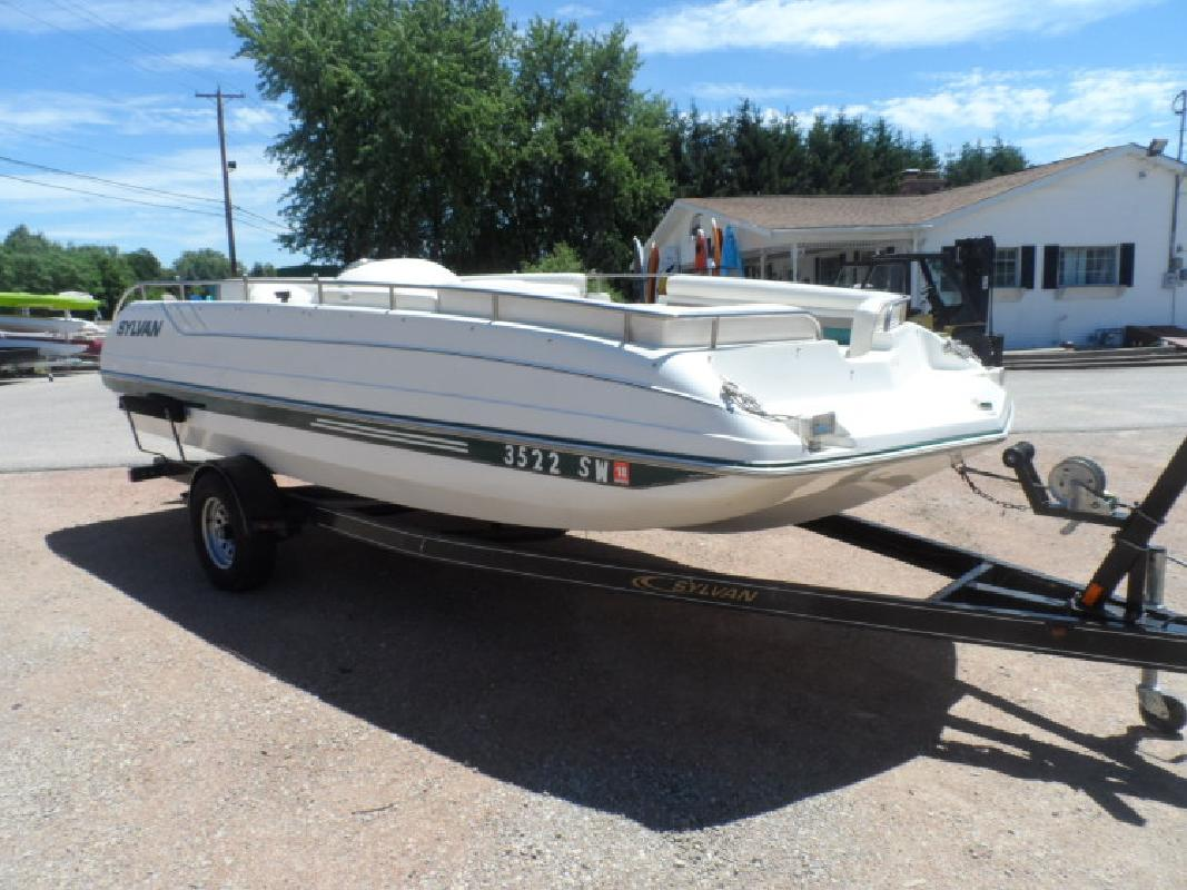 Used Deck Boat in Wautoma, WI