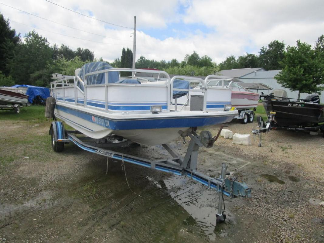 Used Fishing Deckboat in Wautoma, WI