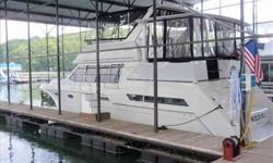 1998 Carver 405 AFT CABIN MY Very Unique 1998 Carver 405 Aft Cabin Motor Yacht. It's a one-owner boat kept in a covered slip on fresh water Lake Lanier with low well maintained hours (328).Washed and waxed quarterly. Twin Marine Air/Heat units, 2