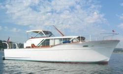 1960 Chris Craft Constellation Cruiser 40 feet. All original, excellent condition. Double plank hull, flush teak decks. Can sleep 6. Excellent cruiser. Propane stove/oven, heater, electric hot water heater, electric refrigerator, Large salon, head and v