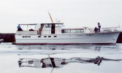 Description For full and complete specfifcations please click here. Vessel Walkthrough This Stephens Motoryacht is a three stateroom layout plus crews quarters. The master stateroom is aft and features a double berth vanity with drawer storage hanging