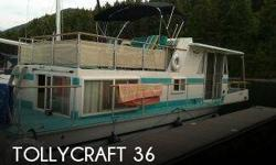 Actual Location: Priest River, ID - Stock #098582 - If you are in the market for a house, look no further than this 1971 Tollycraft 36, just reduced to $32,000 (offers encouraged).This vessel is located in Priest River, Idaho and is in great condition.