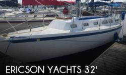 Actual Location: Norfolk, VA - Stock #084976 - If you are in the market for a sloop sailboat, look no further than this 1975 Ericson Ericson 32, just reduced to $18,500 (offers encouraged).This sailboat is located in Norfolk, Virginia and is in good