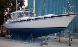 The Classic 41 Morgan, Great Condition Powered by a Westerbeke 63hp, with only 50 Hours SMOH by Ruffing Marine in Naples. This beautiful center cockpit is well kept and has been updated with Garmin electronics and provides plenty of living space with dual