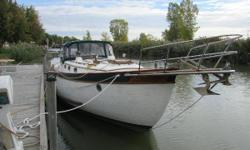 (CURRENT OWNER OF 22-YEARS) RARE OPPORTUNITY FOR THOSE IN THE MARKET FOR A FULL KEEL FIBERGLASS HULL CUTTER RIG -- PLEASE SEE FULL SPECS FOR COMPLETE LISTING DETAILS. Features a Single Perkins 85-hp Diesel Engine with 4-Blade Feathering Propeller.