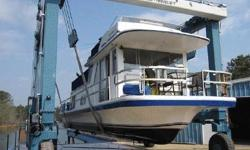 42' Gibson, 42' House Boat REDUCED TO $39,900 1981 Gibson 12 x 42 - Twin 305 Crusaders - Onan 4.5KW Generator Upgrades: March 2018 - 2 New Fuel Pumps January 2018 - New Fuel Gauge & 2 New Sending Units 2017 - 1 Stringer Replaced 2017 - Upper Steering Helm