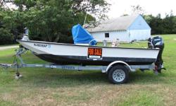 Nice clean 17' Boston Whaler with 2001 70hp Suzuki Four Stroke Engine and Trailer. New Fuel Tank Helm Bench Center Console VHF Radio Battery Nominal Length: 17'