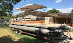 1984 Tracker Marine Sun Tracker Party Barge 28 This is a big 1984 Tracker Marine Sun Tracker Party Barge 28 Pontoon boat in great condition 28 feet in overall length Will hold up to 19 people comfortably within as well! Great for a day on the Lake too...!
