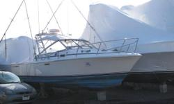 Large 27' Phoenix with versatile single level cockpit. Features tackle and bait prep stations, V- Berth, and enclosed head. The galley on the Fishbuster model is located down and to port in the cockpit. Powered by twin Crusader 270hp motors that have been