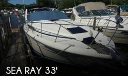 Actual Location: Fox Lake, IL - Stock #088059 - Everything Included Just Bring Swim Suit & Towels, Tunnel Drive Sundancer!Sea Ray got it right back in 1984 with the introduction of the340 Sundancer, a roomy midcabin cruiser with sleeping spacefor three