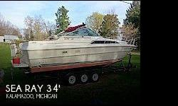 Actual Location: Kalamazoo, MI - Stock #046611 - Bring All Offers!Sea Ray got it right back in the 80's with the introduction of the 340 Sundancer, a roomy midcabin cruiser with sleeping space for 4 couples and a smooth-riding deep-V hull. The Sundancer