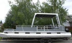 1985 Sun Tracker Party Barge 1985 Sun Tracker Party Barge model in great condition From cruising Lake St. Clair in Olympia Washington to watching the Blue Angels on Lake Washington in Seattle weve enjoyed years of fun on our customized party barge Now it