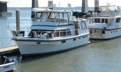 A great liveaboard/cruiser selling due to medical reasons.Stabilizers,bow thruster, Zodiac 11'2 hard bottom,center console dinghy with Yamaha 30 HP, Marquip steps. Central vacum,washer/dryer Category: Powerboats Water Capacity: 300 gal