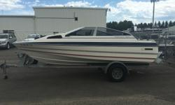Beam: 6 ft. 10 in. Hull color: White
