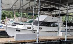 With trawler like features the 3607 aft cabin cruiser can also come to plane when needed. Roomy aft deck, comfortable flybridge with ample seating, large forward deck, and nice wide sidedecks for easier access to all points. The 3607 has all onboard